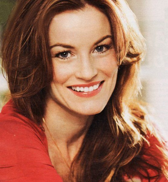 Laura Leighton Bio Height Weight Age Measurements