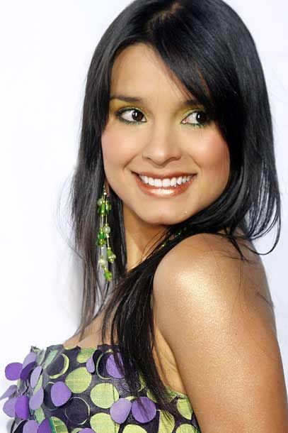 Paola Rey: Bio, Height, Weight, Measurements - Celebrity Facts