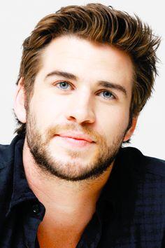 Liam Hemsworth: Bio, Height, Weight, Measurements ...