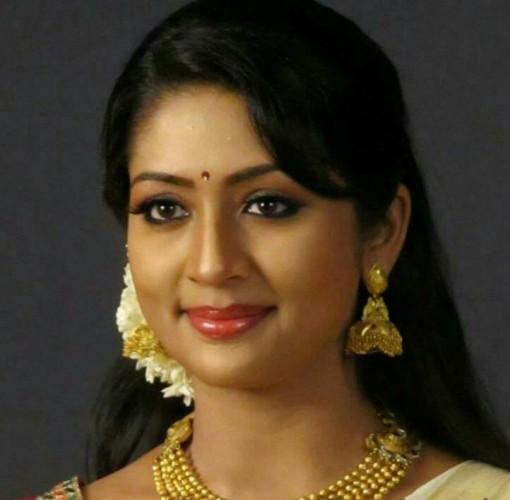 Navya Nair Bio Height Weight Measurements Celebrity Facts