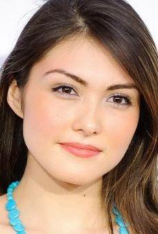 Daniella Pineda Height