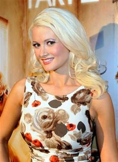 Holly Madison Bio Height Weight Age Measurements Celebrity Facts